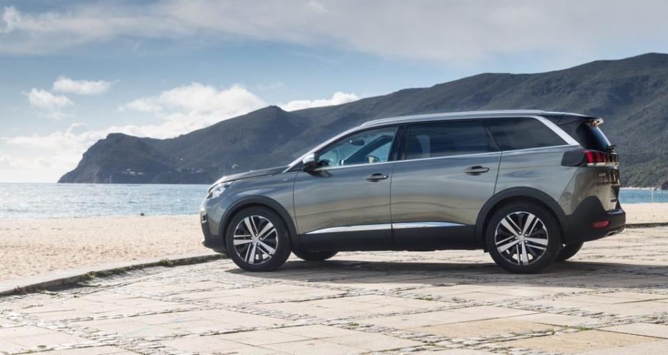 Norges beste familiebilkjøp - Peugeot 5008 bilde