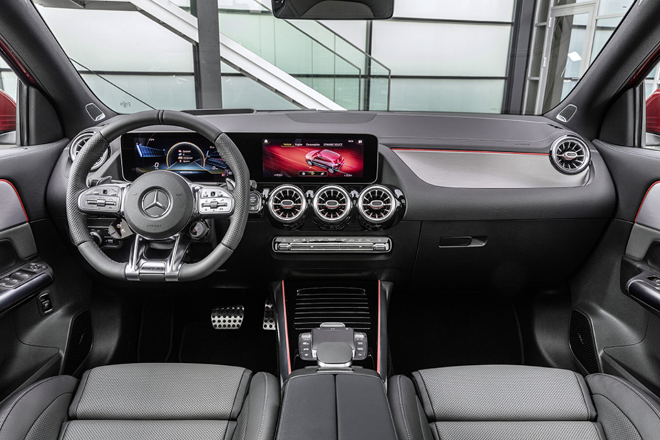 Mercedes-benz GLA plug-in hybrid 2019 2020.jpg
