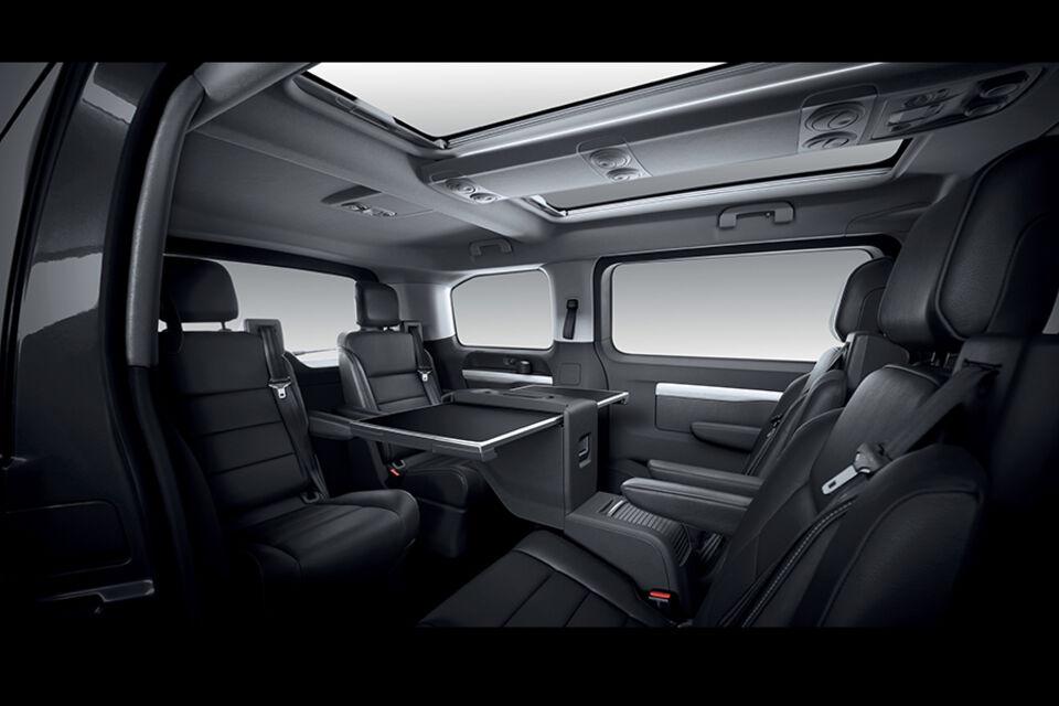 Peugeot Traveller innvendig_900x600.jpg